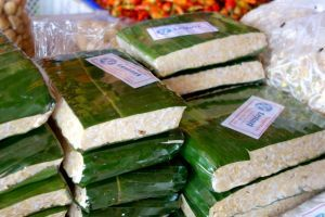 What tempeh is and authentic recipes with it. Photo: tempeh sold in banana leaves on the market in Bali, Indonesia (source: my personnal food and travel blog / vlog with recipes, authentic video recipes, street food, food and travel documentary, travel info and more. Welcome! :) )