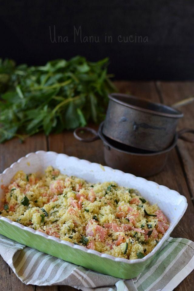 Couscous profumato con zucchine e salmone