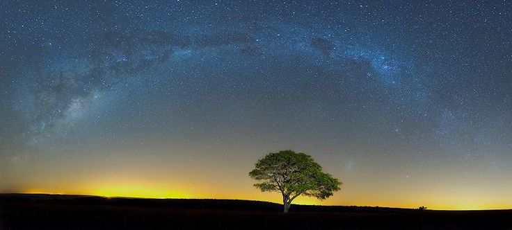 With the wide open spaces in the Great and #Klein #Karoo, #South #Africa, it's a popular area to do stargazing and if you add the most beautiful sunsets it's worth visiting.
