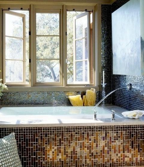 Relaxing bathtub, love the windows