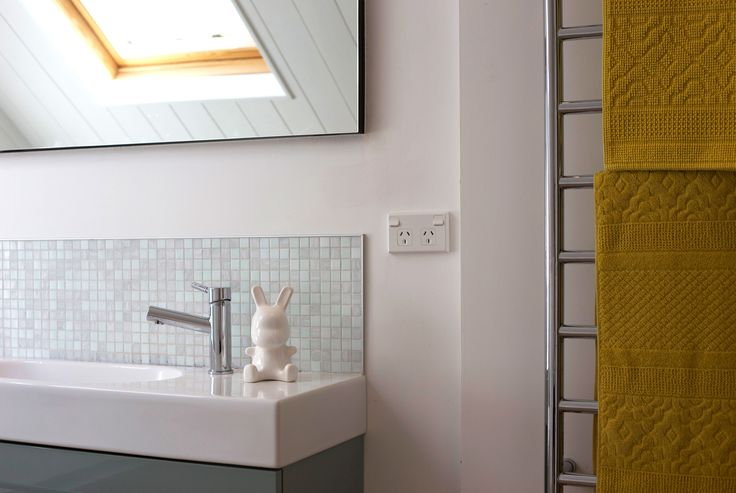 #bathroom #yellow bath towels #Frost and dinkie. Staging by Places and Graces.