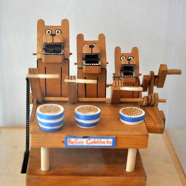 porridge eating three bears wood mechanical toy Automata.