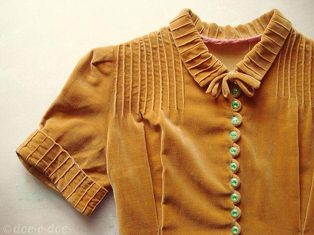 vintage velvet mustard dress ...love the details #vintage #fashion