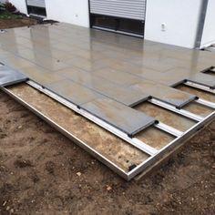 Terrassenplatten verlegen mit dem #METTEN Profilsystem.