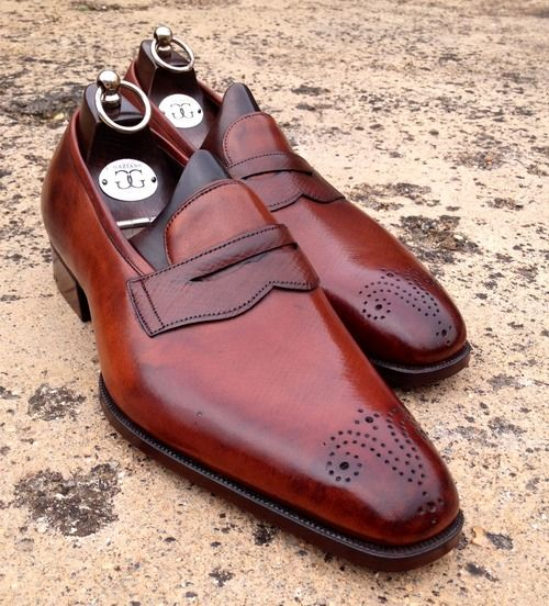 Love these kind of shoes because of the toe design which in fact does remind me of my violin