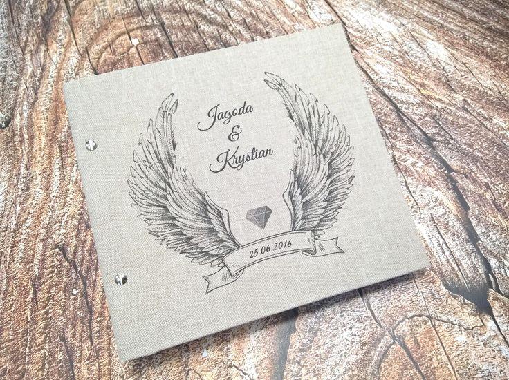 Personalizowana księga gości weselnych. Zapraszamy do kontaktu! Jesteśmy pracownią introligatorską, która zajmuję się produkcją unikatowych albumów. #weddingguestbook, #guestbook