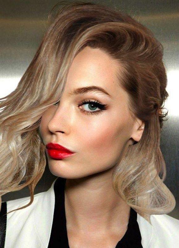 ClioMakeUp-Trucco-Natale-tutorial-eye-liner-nero-labbra-rosse_