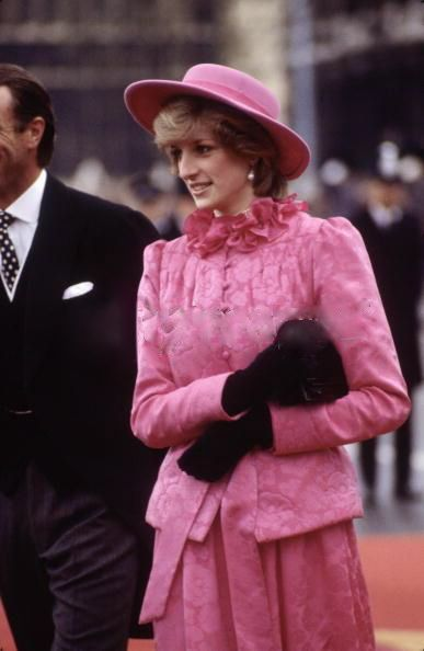 November 16, 1982: Prince Charles & Princess Diana at Westminister Pier welcoming Queen Beatrix & Prince Claus of the Netherlands