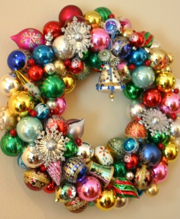 Best 25 vintage christmas balls ideas on pinterest vintage vintage christmas ornaments en mass to form a wreathkes me happy to solutioingenieria Images