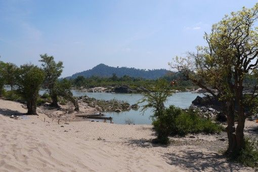Cycling and Stomach Aches on Four Thousand Islands | Visiting Don Det, Don Khong & Don Khon