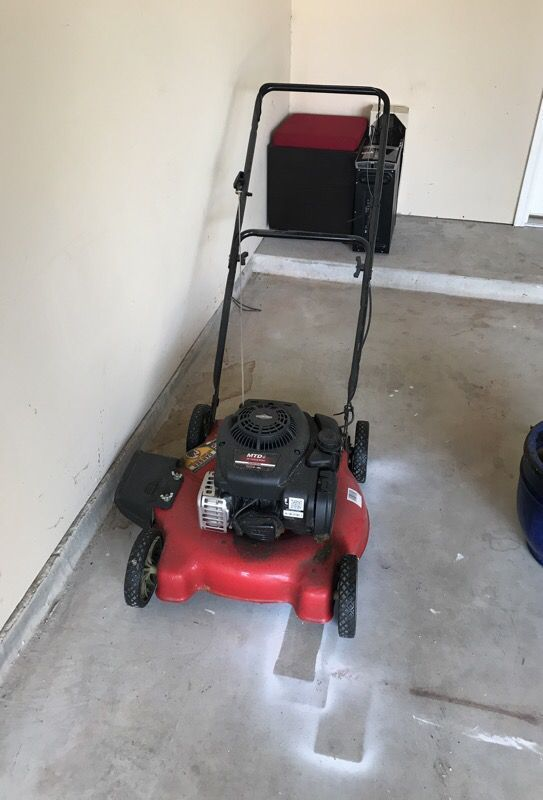 """MTD 20"""" Push lawn mower (Tools & Machinery) in Houston, TX - OfferUp50"""