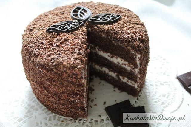 Tort mocno czekoladowy z masą śmietanową