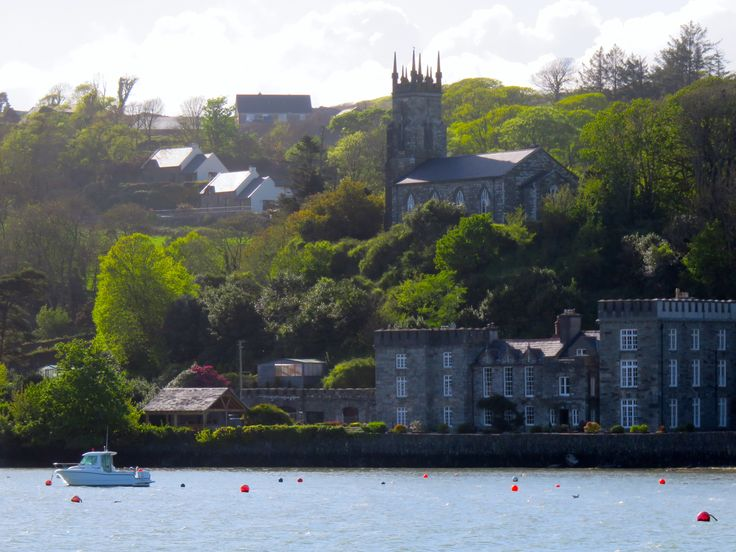 Castletownsend, Co Cork (seen from Union Hall area) (Photo by Suzanne C)