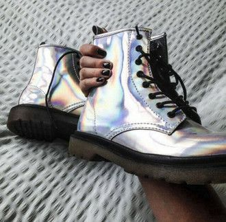 shoes holographic shoes hologram boots boots drmartens grunge shoes silver shoes sparkle sparkly shoes glitter shoes glitter holographic rainbow dr martens? black silver boots metallic grunge holohram shoes army boots laces silver shiny lace up iridescent hologramm nails black nails cool shoes tumblr tumblr shoes cute fashion spring matalic metallic shoes seapunk tornasol holographic boots doc martin holigraphic combat boots pastel grunge hologram doc martens holographic doc martens punk…