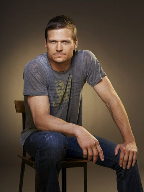 Bailey Chase...ya might 'member him from Saving Grace!
