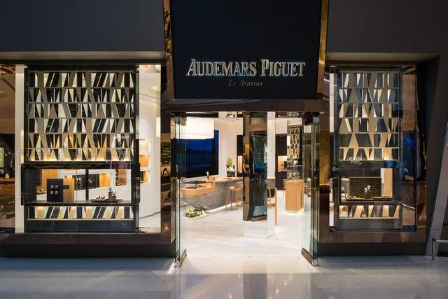 #AudemarsPiguet brings swiss watchmaking excellence to Las Vegas with its debut boutique at The Shops at Crystals