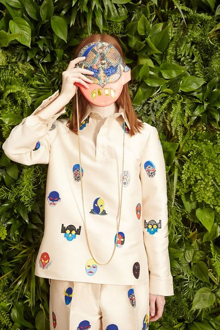 Stella McCartney | Resort 2015 Collection | Style.com - Stella levando a sério a microtendência Curated Kitsch