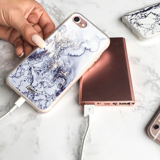 We want to introducing you to the newest addition to our family our Marble  Silver case