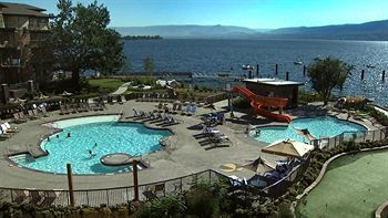 The Cove Lakeside Resort (West Kelowna, Canada)