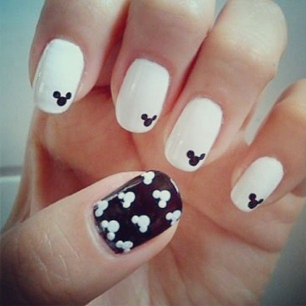 Mickey Mouse nails cute black and white nails art cool pretty mickey mouse nail  art so gonna do this for disney - 180 Best Black & White Nails Images On Pinterest Make Up, Black