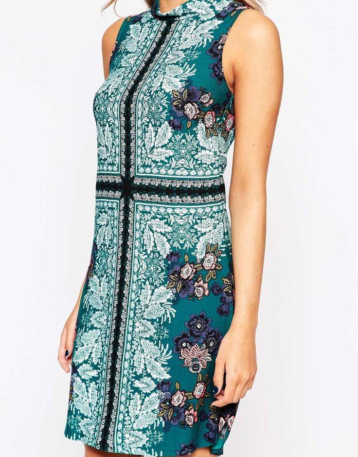 Imagen 3 de Vestido de corte recto con estampado estilo fular de Oasis