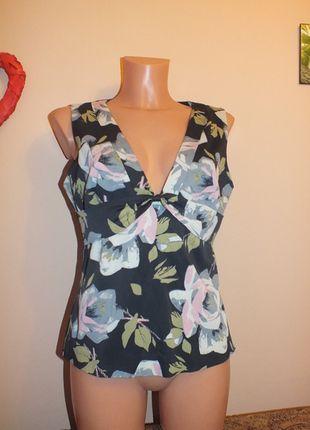 Kup mój przedmiot na #vintedpl http://www.vinted.pl/damska-odziez/bluzki-bez-rekawow/12046218-bluzeczka-pod-zakiet-w-kwiaty-karen-millen-14-42-xl
