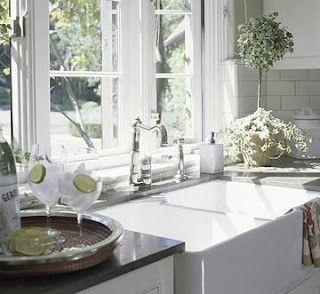 White apron, Apron front sink and Farmhouse sinks on Pinterest