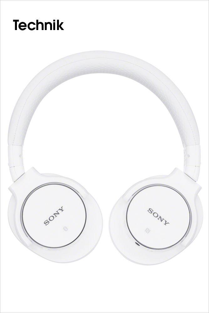 SONY • Überragender Sound, Komfort und Stil: Die neuen Kopfhörer-Serien MDR-ZX und MDR-EX von Sony. Mit den beiden neuen Kopfhörer-Serien MDR-ZX und MDR-EX bringt Sony Farbe in den Frühling. Die insgesamt elf neuen Modelle sind ideale Partner für den mobilen Musikgenuss. Ob Bügelkopfhörer bei der MDR-ZX Serie oder In-Ohr-Kopfhörer bei der MDR-EX Serie, satter Sound und Tragekomfort sind in jedem Fall garantiert. Bilderserie anzeigen: http://www.imagesportal.com/home43.php