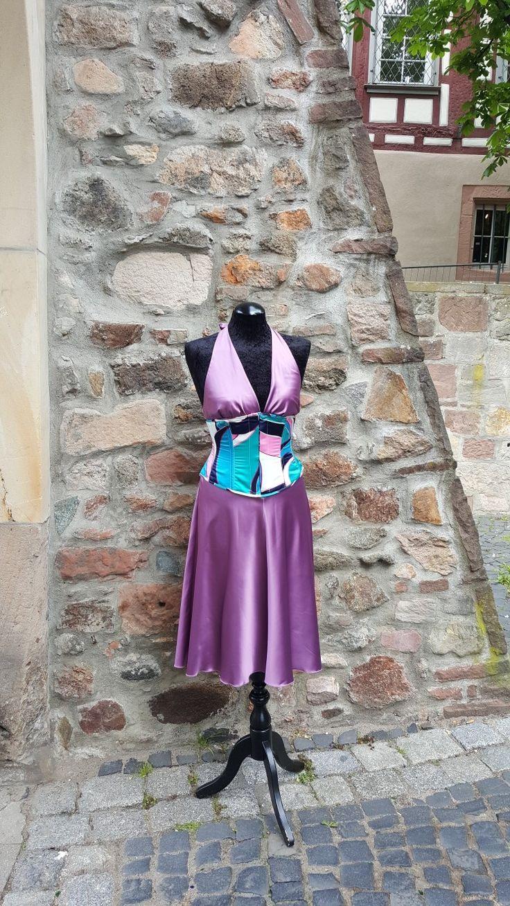 ...Korsetts für jeden Anlass, zum Beispiel  - Tanz in den Mai  ! Korsetts von Revanche de la femme,  stelle dein Korsett  aus einer Auswahl  von über 400 Stoffen zusammen - kombiniere es mit dem passenden Rock und Bolero und verschiedenen  Kragen  Variationen.  Für jeden Anlass  !!!!  Wir bieten die Größen von 34 bis 54 an. Bernstein Underwear ist Bensheim - vorbei  kommen  und  verzaubern lassen . #rdlf #revanchedelafemme #bernstein-underwear