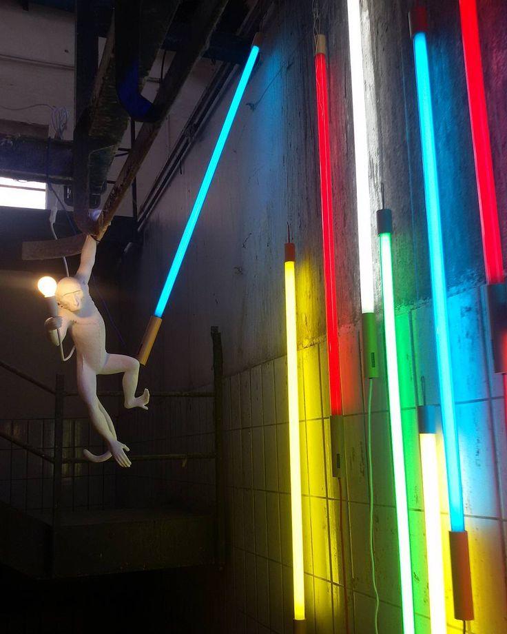 Ehi ci siete? Siete svegli? Io poco. Cmq Sì: oggi è lunedì! Buona settimana! #rimini #igersrimini #igersemiliaromagna #igersitalia #turismoer #communityfirst #spring4igers #whatitalyis #spring #breath #matrioskalabstore #art #arte #contemporaryart #artecontemporanea #instaart #artist #artwork #light #luce by fabiolarn