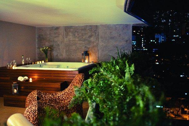 ¡Espacios que inspiran relajarse y desconectarse en un reconfortante hidromasaje!  Chatanoogan Spa > www.firplak.com
