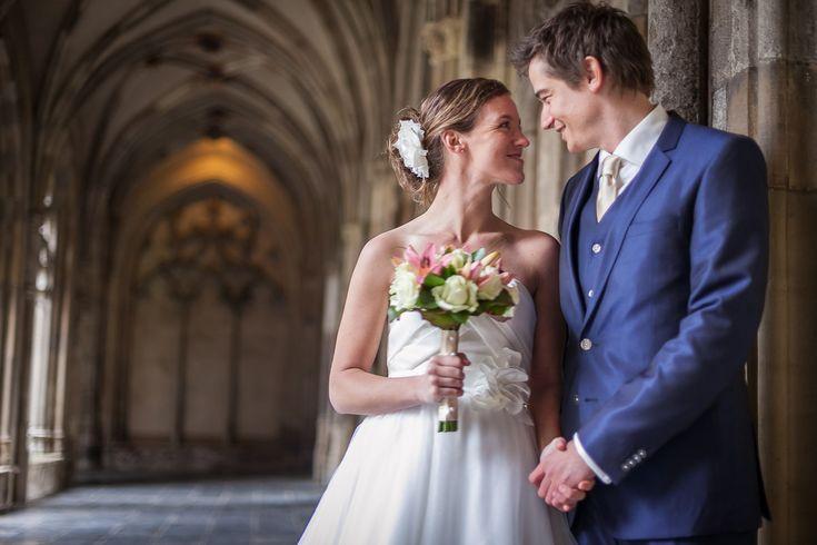 Ze moesten alles in het geheim doen omdat zowel de man als vrouw getrouwd zijn.