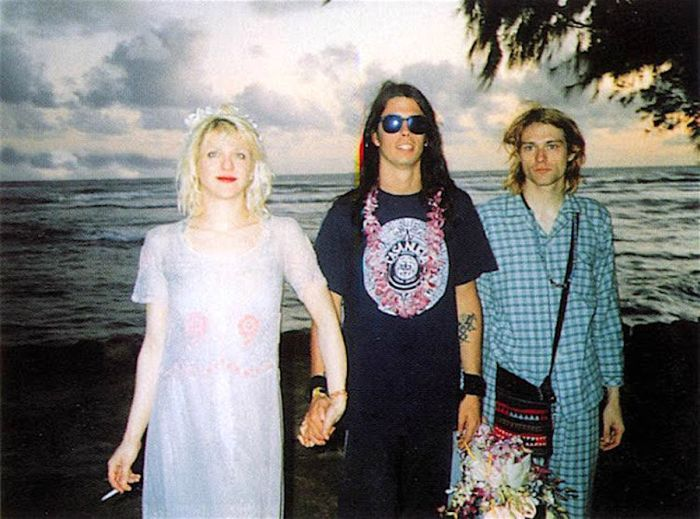 1 Vintage Photos From Kurt Cobain And Courtney Love's Wedding Day (7 ...