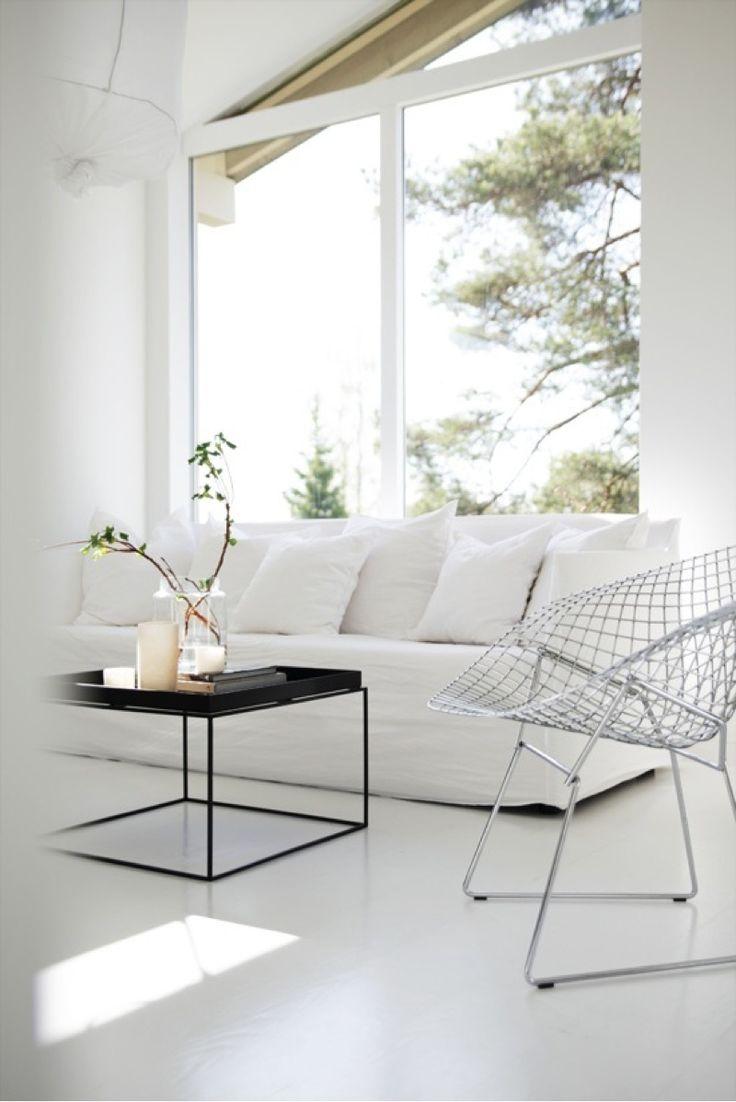 30 Timeless Minimalist Living Room Design Ideas: Bertoia Diamond Fauteuil