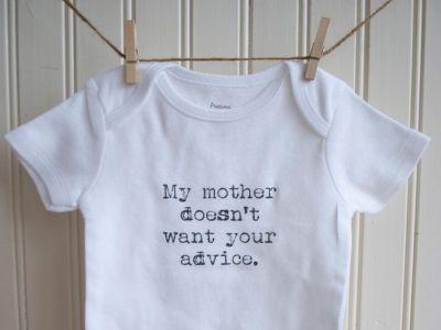 Znači, porodili ste se. Da, dobili ste najdivniji poklon na svetu i sa njim najlepšu ulogu na svetu. Ali, nemojmo se lagati – u prvim danima (nedeljama) nakon porođaja ta roditeljska uloga deluje i kao najteža od svih. Jel tako?