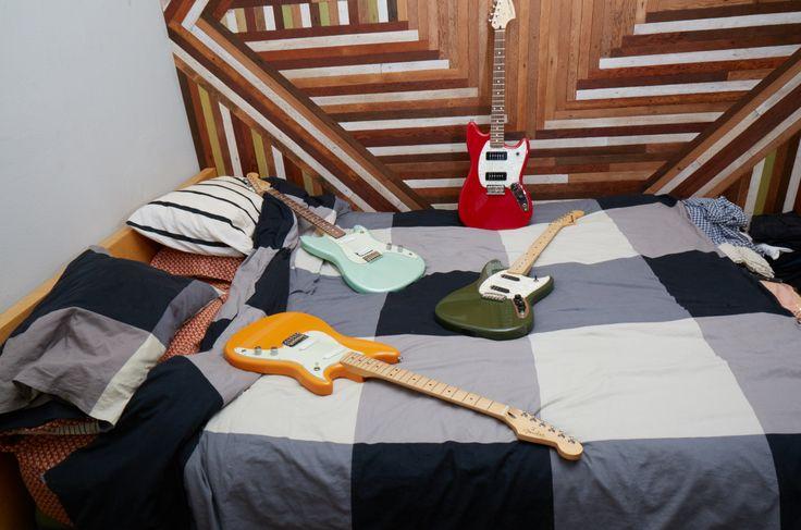 End of day feeling. #FenderOffsets   #Guitars #Music #Fender #Mustang #DuoSonic #ElectricGuitar #Musician #Guitarist