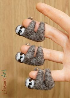Needle felted sloths by LilenokArt