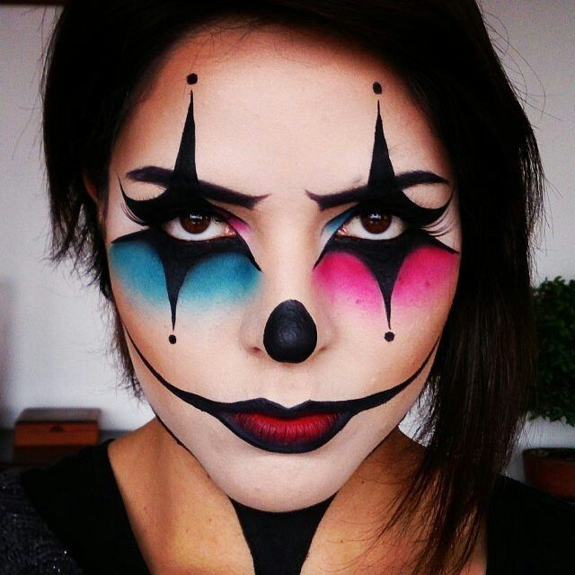 Pink And Blue Clown Makeup Halloween Makeup Witch Halloween Makeup Diy Easy Creepy Halloween Makeup