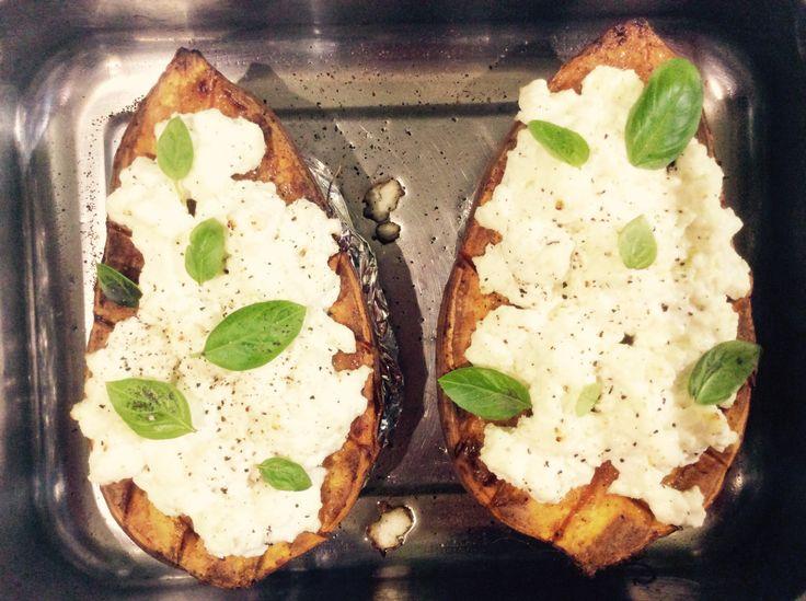 Premièrement, j'adore la patate douce, régulièrement je la fait en velouté au Thermomix (la recette n'est pas sur le blog car elle est disponible sur Internet en tapant «vel…