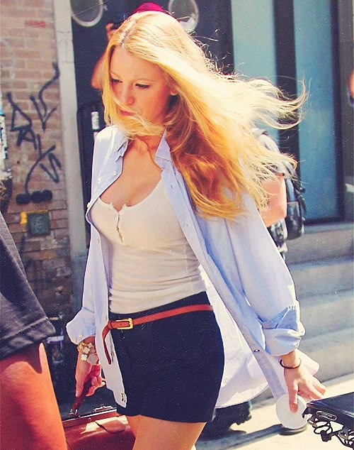 Blake Lively. Perfect easy summer outfit!