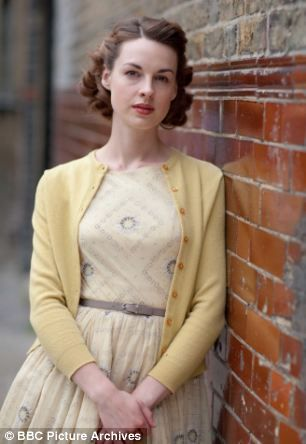 Better than Downton Abbey! Great style! Actress Jessica Raine in the BBC Television show: Call The Midwife