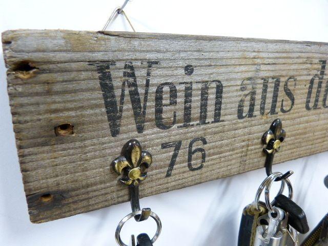 Weinkisten-Schlüsselbrett+von+Fass-Schmiede+auf+DaWanda.com