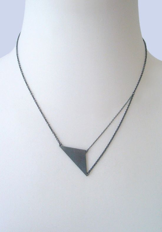 NAOKO OGAWA Black Triangle Pendant Necklace
