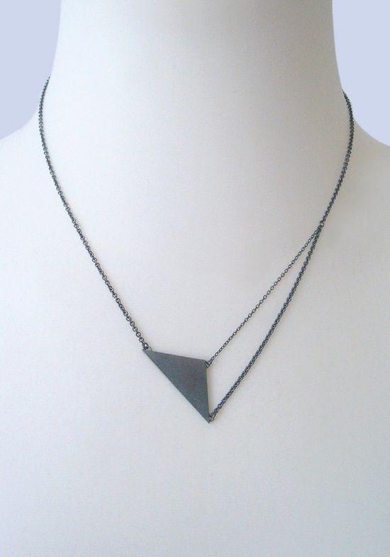 NAOKO OGAWA-JP Black Triangle Pendant Necklace