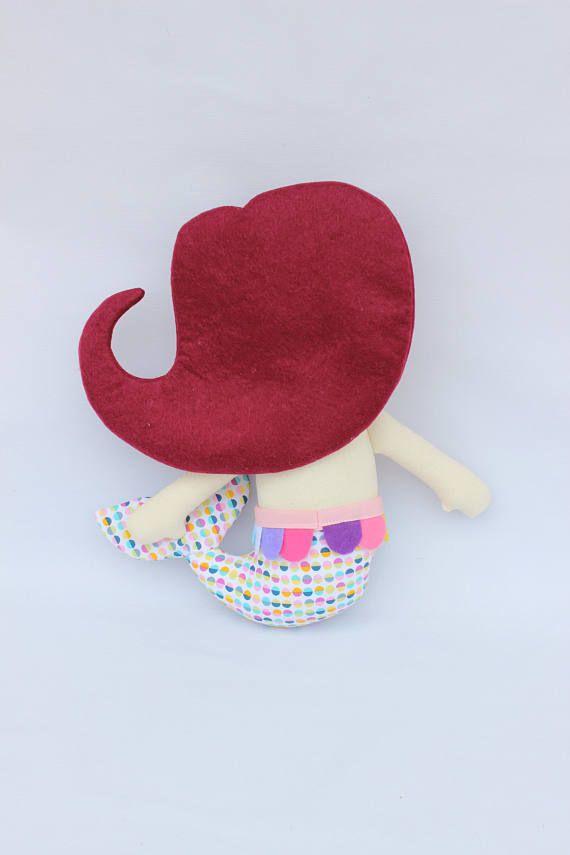 Muñeca de trapo sirena, muñeca personalizada sirena, muñeca de tela niña. Regalo para niñas, regalo personalizado, muñeca pelirrojo