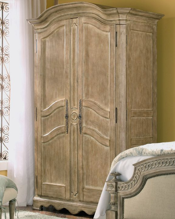 Highland House Furniture Hh02 212 Rr Hh02 212 Armoire Rue Rustique Fin Master Suite
