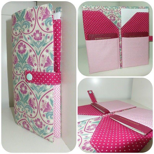 Aktuellstes Lieblingsstück in meiner Sammlung...Eine Reisepasstasche für den anstehenden Urlaub ✈ da freut man sich noch 3 mal mehr,dass es endlich los geht  #sew #sewing #nähenisttoll #nähdichglücklich #nähenmachtglücklich  #Thailand #Urlaub #pink #Blumen #kamsnaps