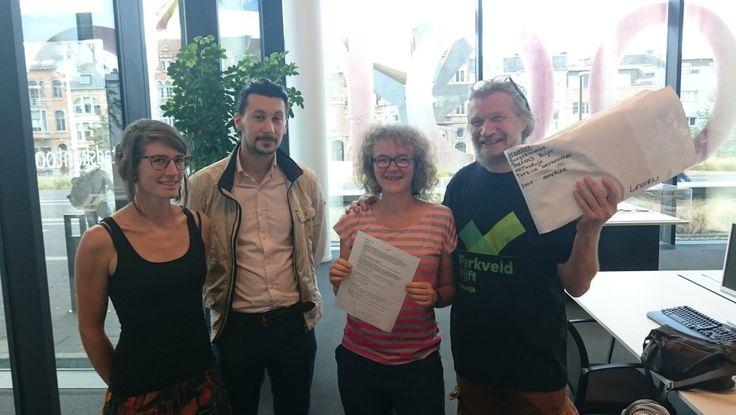 1500 handtekeningen om open ruimte Parkveld te behouden