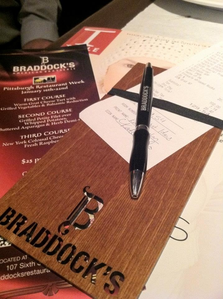 Braddock S Customized Check Presenter Acrobatique