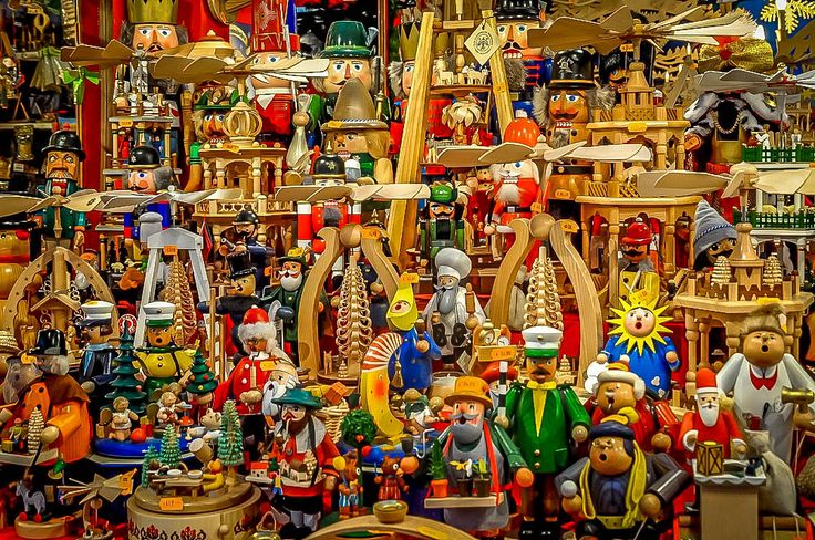 German Christmas markets have the kind of holiday spirit we've rarely experienced. These photos will make you want to book a ticket to Germany.